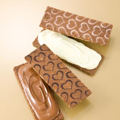 銀ぶのチョコサンドアーモンド