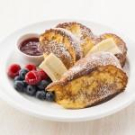 アメリカの定番家庭レシピを「サラベス」の人気メニューでアレンジ『PBJフレンチトースト』