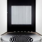 カールステン・ニコライ氏が表現する「黒の世界」展 「CARSTEN NICOLAI‐BLACK ABSORB POL」
